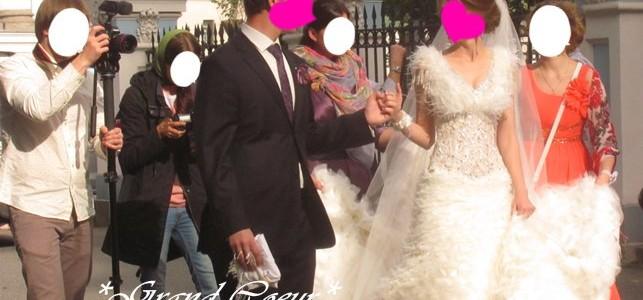 ロシアのウエディングリムジンと花嫁様